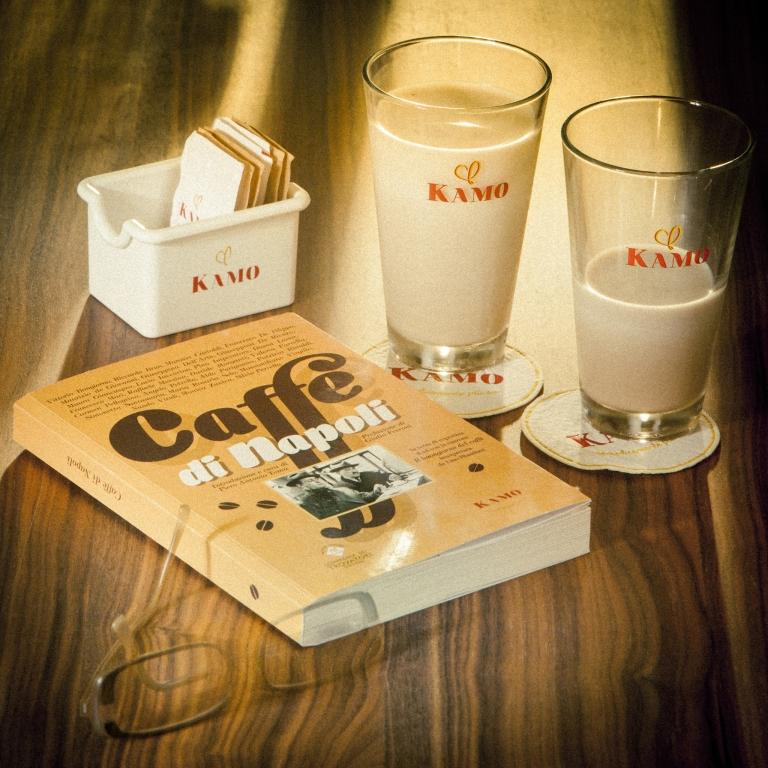 LA CAFFETTIERA- L'ULTIMO RAGGIO SUL LEONE